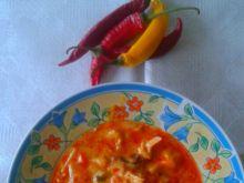 Czerwone curry z owocami morza