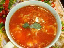 Czysta pomidorowa z lanymi kluskami