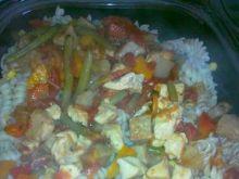 Danie z kurczakiem i warzywami