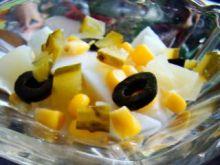 Delikatna sałatka warzywno-owocowa
