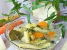 Delikatna zupa z żółtą fasolką szparagową