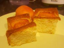 Delikatne ciasto z morelami