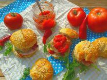 Delikatne mini burgery wieprzowo-wołowe