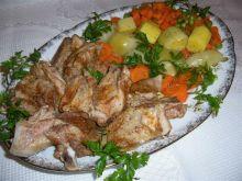 Delikatne żeberka z warzywami z parowaru