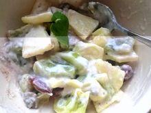 Delikatny deser z migdałami i kiwi