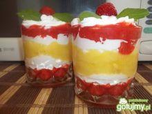 Deser ananasowo-truskawkowy