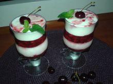 Deser jogurtowo - wiśniowy