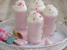 Deser jogurtowy z bitą śmietaną