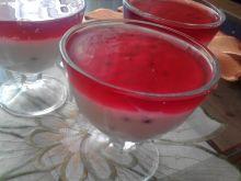 Deser jogurtowy z jagodami