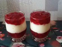 Deser jogurtowy z porzeczkami