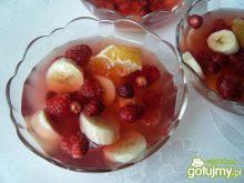 Deser owocowy z wiśniowym kisielem