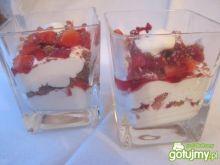 Deser truskawkowo-jogurtowy