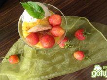 Deser truskawkowo-pomarańczwy