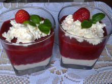 Deser truskawkowy z serkiem mascarpone