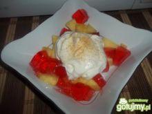 Deser z ananasem i galaretką