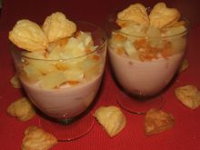 Deser z ananasem i serduszkami