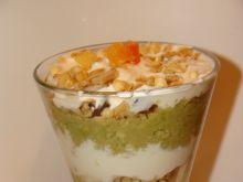 Deser z awokado i jogurtem greckim