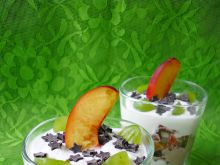 Deser z figą i jogurtem greckim