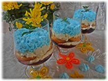 Deser z figami i borówkami