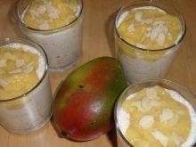 Deser z jogurtu i mango