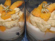 Deser z kaszy manny i jogurtu