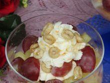 Deser z kremem mascarpone i owocami