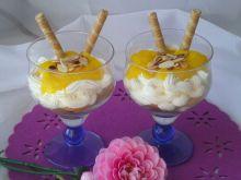 Deser z mango mascarpone i prażonymi migdałami