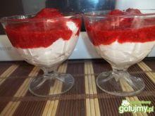 Deser z mascarpone i truskawkami