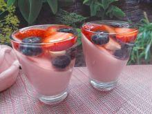 Deser z owocami i galaretkami