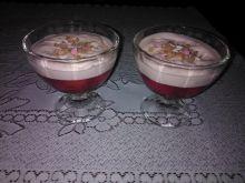 Deser z truskawkami w galaretce