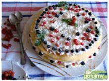 Deser ze świeżymi jagodami