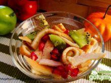 Deserowa sałatka z naleśnikiem