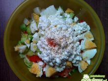 Dietetyczna wiosenna sałatka
