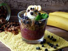 Dietetyczny deser jagodowo-bananowy