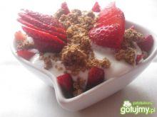 Dietetyczny deser z truskawkami dla 1 os
