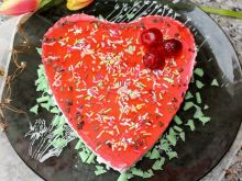 Dietetyczny sernik z jogurtem, miodem i galaretką