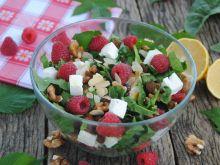 Malinowo– szpinakowa sałatka