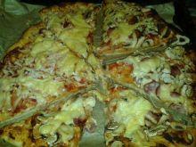 Domowa pizza Latosia