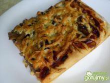 Domowa pizza na grubym spodzie