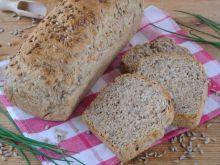 Domowe chlebki z ziarnami