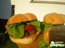 Domowe hamburgery z cebulą