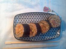 Domowe sushi z nutą sezamu-futomaki