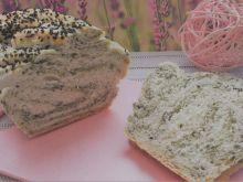 Domowy chleb pszenny ze szpinakiem