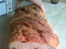 Domowy chleb z rodzynkami i dynią
