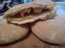 Domowy chlebek pita