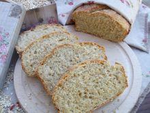 Domowy chlebek z płatkami owsianymi