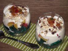 Domowy deserek z dodatkiem owoców