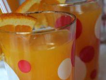 Domowy napój pomarańczowy