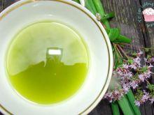 Domowy olej o smaku cebulki