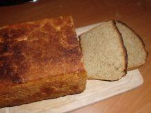 Domowy pełnoziarnisty chleb